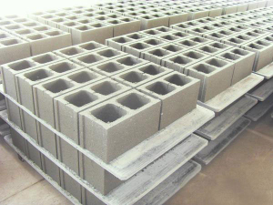 The plastic pallets concrete hollow block